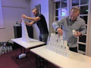 Deltagerne på billedet er i gang med sjove lege i aktiviteten Det perfekte minut