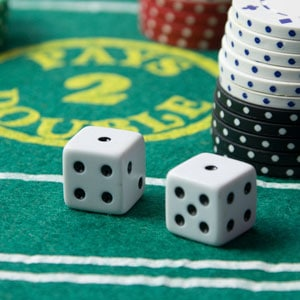 Her ses en dealer i fuld gang med at stå for rouletten til casino event